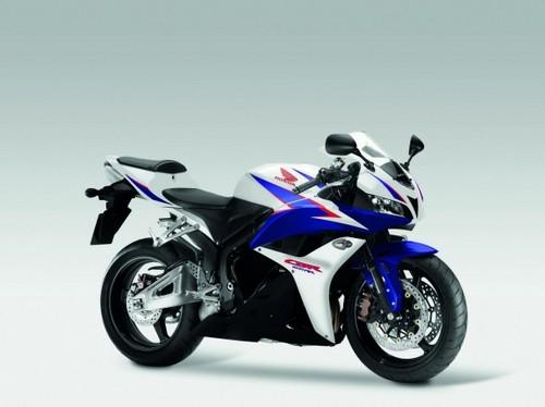 Honda_cbr600rr_2011_01