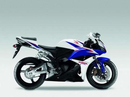 Honda_cbr600rr_2011_04