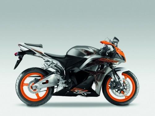 Honda_cbr600rr_2011_06